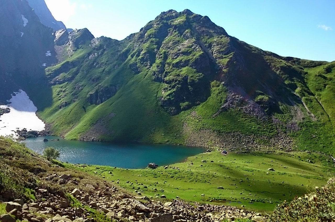 Озеро Мзы (Рицинский нацпарк)